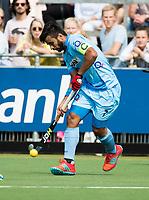 WAALWIJK -  RABO SUPER SERIE. Manpreet Singh (Ind)   tijdens  de hockeyinterland heren  Nederland-India,  ter voorbereiding van het EK,  dat vrijdag 18/8 begint.  COPYRIGHT KOEN SUYK