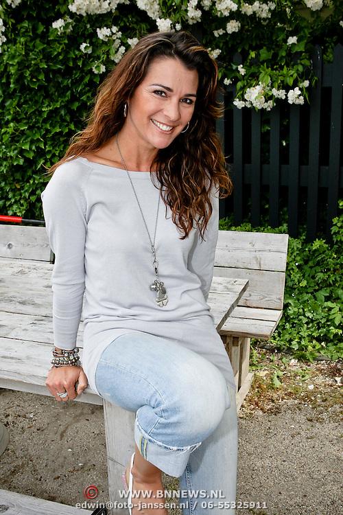 NLD/Oudekerk a/d Amstel/20080618 - Boekpresentatie Vivianne Ewbank, Quinty Trustfull