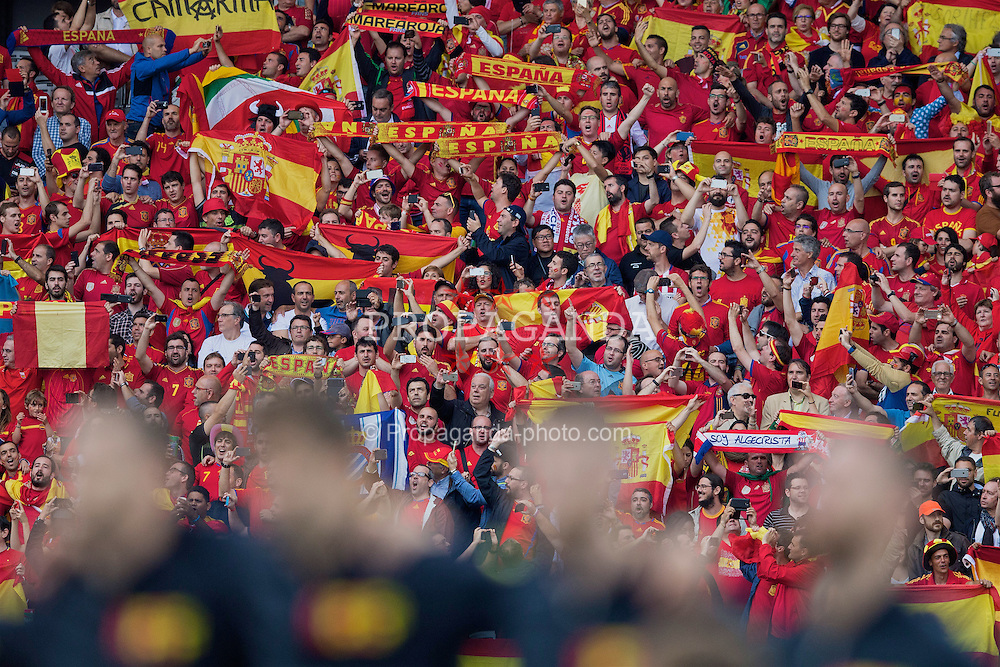TOULOUSE, FRANCE - Monday, June 13, 2016: Spain supporters before the UEFA Euro 2016 Championship match against the Czech Republic at Stadium de Toulouse. (Pic by Paul Greenwood/Propaganda)