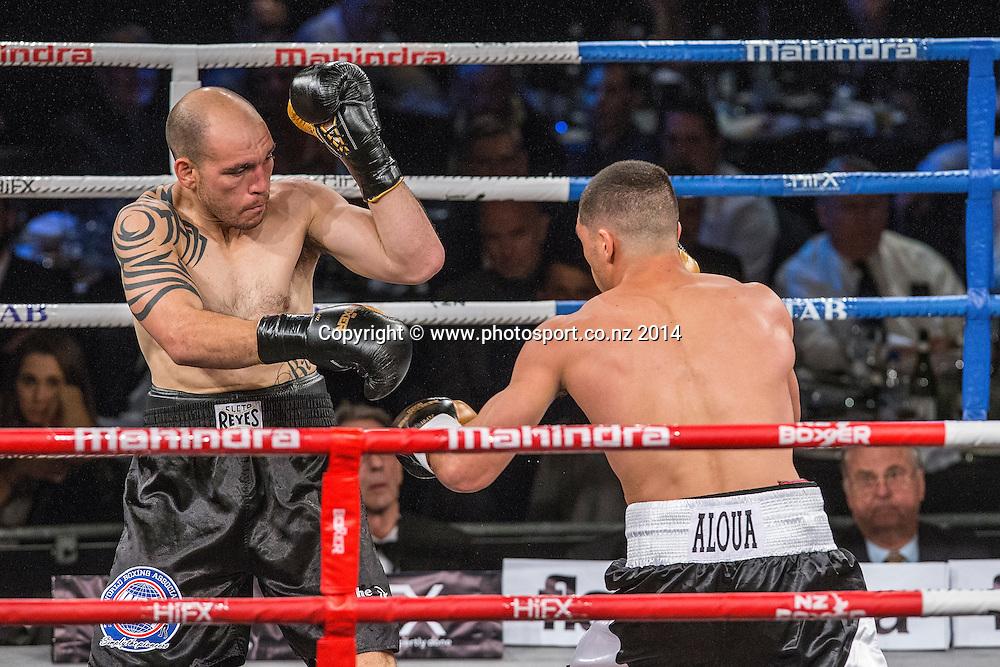 Anthony McCracken (L) fights David Aloua in the Mahindra Super 8 Fight Night, North Shore Events Centre, Auckland, New Zealand, Saturday, November 22, 2014. Photo: David Rowland/Photosport