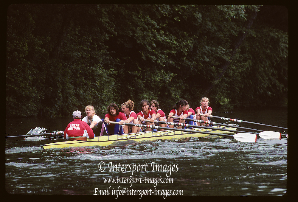 Molesey, Great Britain.  GBR W8+,  Bow, Kareen MARWICK, Philippa CROSS, Fiona FRECKLETON, Rachel HIRST, Dot BLACKIE , Katharine BROWNLOW , Philippa CROSS, Kate GROSE , Rachel HIRST, Sue SMITH, stroke Katherine BROWNLOW and cox Alison PANERSON (c)1992 British International Rowinig Training on the Molesey Reach, Surrey,  [Mandatory Credit. Peter Spurrier/Intersport Images] +1992 +Molesey +Henley 1992 GBRowing Training, Molesey/Henley, United Kingdom