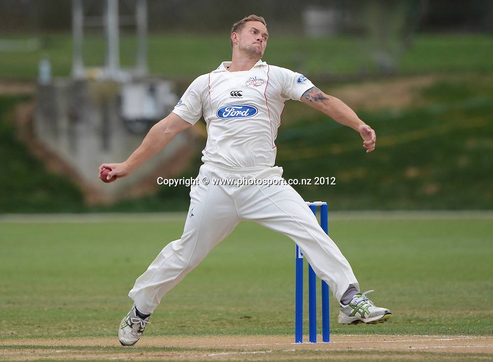 Gareth Andrew bowling for Canterbury. Plunket Shield Cricket, Auckland Aces v Canterbury Wizards at Eden Park Outer Oval. Auckland on Tuesday 18 December 2012. Photo: Andrew Cornaga/Photosport.co.nz