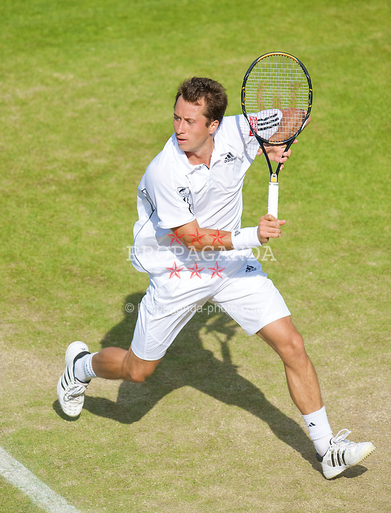 LONDON, ENGLAND - Wednesday, June 24, 2009: Philipp Kohlschreiber during his Gentlemen's Singles 2nd Round match on day three of the Wimbledon Lawn Tennis Championships at the All England Lawn Tennis and Croquet Club. (Pic by David Rawcliffe/Propaganda)