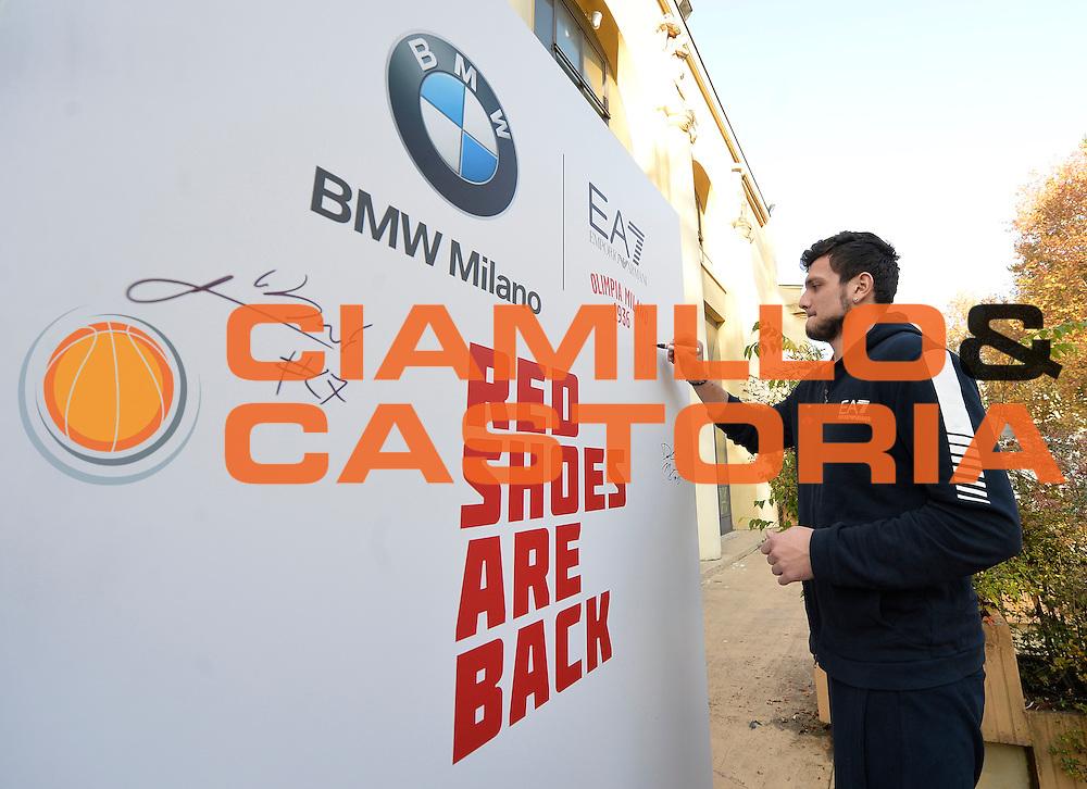 DESCRIZIONE : Milano EA7 Emporio Armani Olimpia Milano evento BMW<br /> GIOCATORE : Alessandro Gentile<br /> CATEGORIA :<br /> SQUADRA : EA7 Emporio Armani Olimpia Milano <br /> EVENTO : EA7 Emporio Armani Olimpia Milano evento BMW<br /> GARA : EA7 Emporio Armani Olimpia Milano evento BMW<br /> DATA : 10/11/2015 <br /> SPORT : Pallacanestro <br /> AUTORE : Agenzia Ciamillo-Castoria/R.Morgano<br /> Galleria : EA7 Emporio Armani Olimpia Milano<br /> Fotonotizia : EA7 Emporio Armani Olimpia Milano evento BMW<br /> Predefinita :