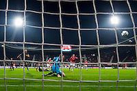 ALKMAAR , AZ - FC Utrecht , 19-12-2015 , AFAS stadion , 2-2 , AZ speler Mattias Johansson soort hier de 1-0, doelpunt.
