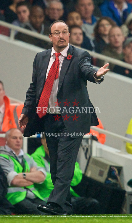 LONDON, ENGLAND - Wednesday, October 28, 2009: Liverpool's manager Rafael Benitez during the League Cup 4th Round match against Arsenal at Emirates Stadium. (Photo by David Rawcliffe/Propaganda)
