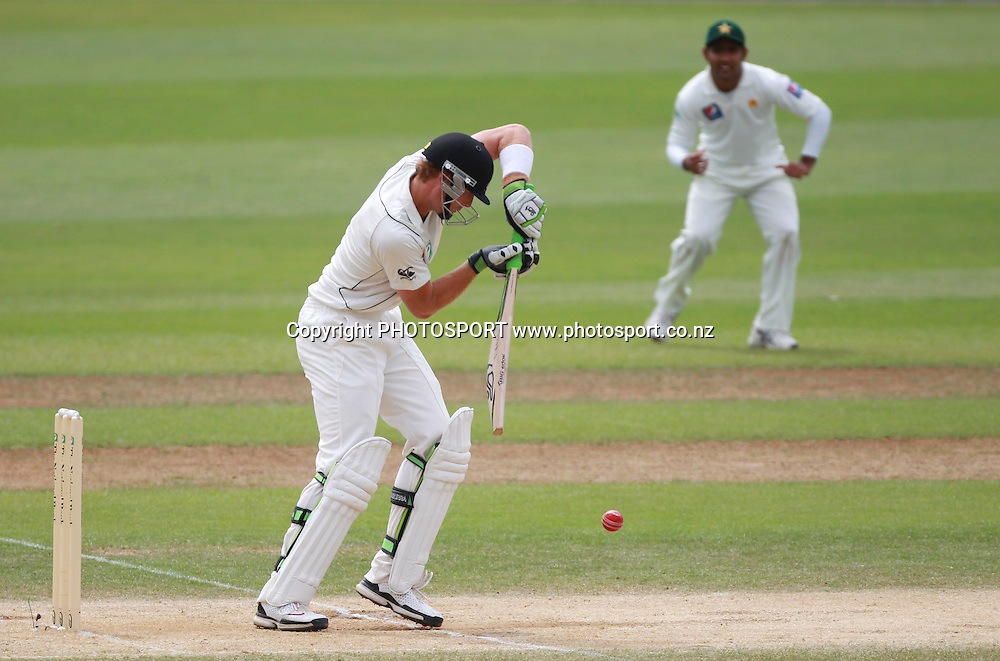 Martin Guptill batting on Day 4 of the 2nd test match.  New Zealand Black Caps v Pakistan, Test Match Cricket. Basin Reserve, Wellington, New Zealand. Tuesday 18 January 2011. Photo: Andrew Cornaga/photosport.co.nz