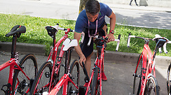 24.05.2017, Bormio, ITA, Giro d Italia 2017, 17. Etappe, Tirano nach Canazei, Val di Fassa, im Bild UCI Kommisar checkt die Rennräder auf Hilfsmotoren // UCI offical checks the cycles for motors during the 100th Giro d' Italia cycling race at Stage 17 from Tirano to Canazei, Val di Fassa, Italy on 2017/05/24. EXPA Pictures © 2017, PhotoCredit: EXPA/ R. Eisenbauer