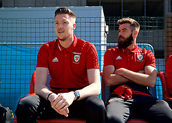RUNCORN, ENGLAND - Tuesday, May 22, 2018: Wales' goalkeeper Wayne Hennessey and Joe Ledley travel by train as they head to Heathrow for a flight to Los Angeles ahead of the international friendly match against Mexico. (Pic by David Rawcliffe/Propaganda)