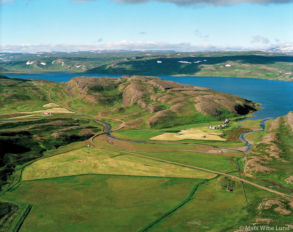 Innri Ós og Ytri Ós, Hólmavíkurhreppur. / Farms Innri Os and Ytri Os in Holmavikurhreppur.