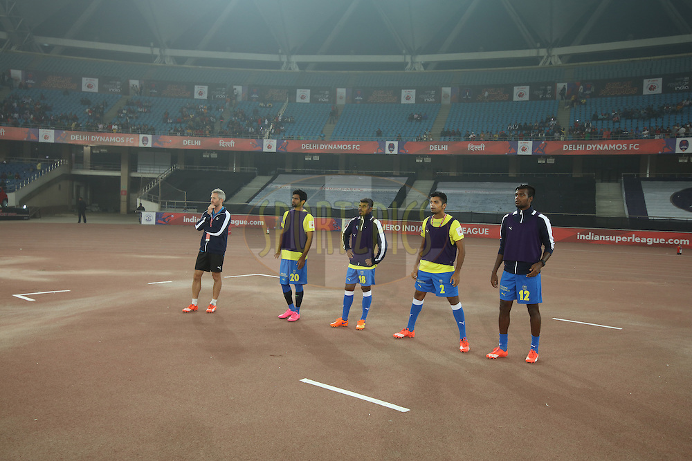 Kerala players are warming up during match 53 of the Indian Super League (ISL) season 2  between Delhi Dynamos FC and Kerala Blasters FC held at the Jawaharlal Nehru Stadium, Delhi, India on the 3rd December 2015.<br /> <br /> Photo by Saikat Das  / ISL/ SPORTZPICS