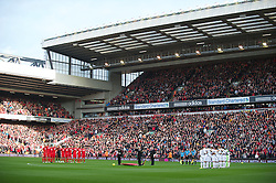 05.11.2011, Anfield Stadion, Liverpool, ENG, Premier League, FC Liverpool vs Swansea City, im Bild Liverpool and Swansea City players stand for a minute's silence // during the premier league match between FC Liverpool vs Swansea City at Anfield Stadium, Liverpool, EnG on 05/11/2011. EXPA Pictures © 2011, PhotoCredit: EXPA/ Propaganda Photo/ David Rawcliff +++++ ATTENTION - OUT OF ENGLAND/GBR+++++