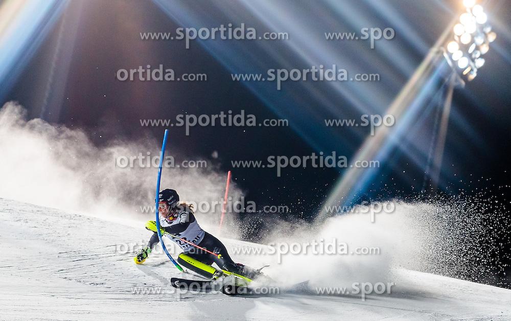 10.01.2017, Hermann Maier Weltcupstrecke, Flachau, AUT, FIS Weltcup Ski Alpin, Flachau, Slalom, Damen, 1. Lauf, im Bild Anne-Sophie Barthet (FRA) // Anne-Sophie Barthet of France in action during her 1st run of ladie's Slalom of FIS ski alpine world cup at the Hermann Maier Weltcupstrecke in Flachau, Austria on 2017/01/10. EXPA Pictures © 2017, PhotoCredit: EXPA/ Johann Groder