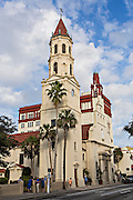 Cathedral Basilica of St Augustine in St. Augustine, Florida. The cathedral was constructed by Spanish settlers in 1793 and faces the Plaza de la Constitucion.