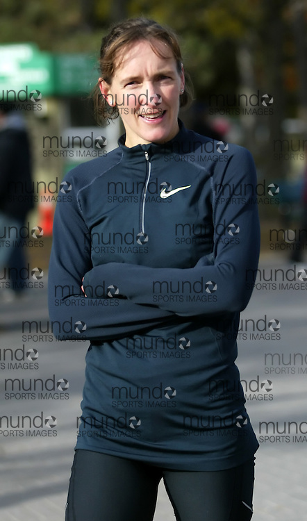 "(Toronto, Ontario -- 17 Oct 2009) LISA HARVEY after competing in the 2009 OASIS Zoo Run 10K run and Athletics Canada national 10 km road racing championship at the Toronto Zoo. [Photo credit should read ""Sean Burges / Mundo Sport Images""]"