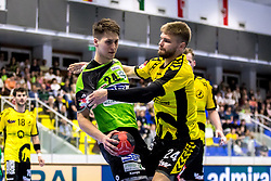 27.04.2018, BSFZ Suedstadt, Maria Enzersdorf, AUT, HLA, SG INSIGNIS Handball WESTWIEN vs Bregenz Handball, Viertelfinale, 1. Runde, im Bild Mladan Jovanovic (SG INSIGNIS Handball WESTWIEN), Roman Chychykalo (Bregenz Handball) // during Handball League Austria, quarterfinal, 1 st round match between SG INSIGNIS Handball WESTWIEN and Bregenz Handball at the BSFZ Suedstadt, Maria Enzersdorf, Austria on 2018/04/27, EXPA Pictures © 2018, PhotoCredit: EXPA/ Sebastian Pucher