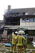 Mannheim. 23.02.17   BILD- ID 034  <br /> Schönau. Brand im Mehrfamilienhaus. Bei dem Brand in einem Vierfamilienhaus am Donnerstagnachmittag auf der Schönau ist ein geschätzter Schaden von rund 300 000 Euro entstanden. Das Feuer war im ersten Obergeschoss ausgebrochen und hatte auf das Dachgeschoss übergegriffen, teilte die Polizei mit. Die Bewohner konnten das Haus im Ludwig-Neischwander-Weg rechtzeitig verlassen. Verletzt wurde bei dem Brand niemand. Die Feuerwehr brachte den Brand unter Kontrolle. Die Brandursache ist noch nicht bekannt.<br /> Bild: Markus Prosswitz 23FEB17 / masterpress (Bild ist honorarpflichtig - No Model Release!)