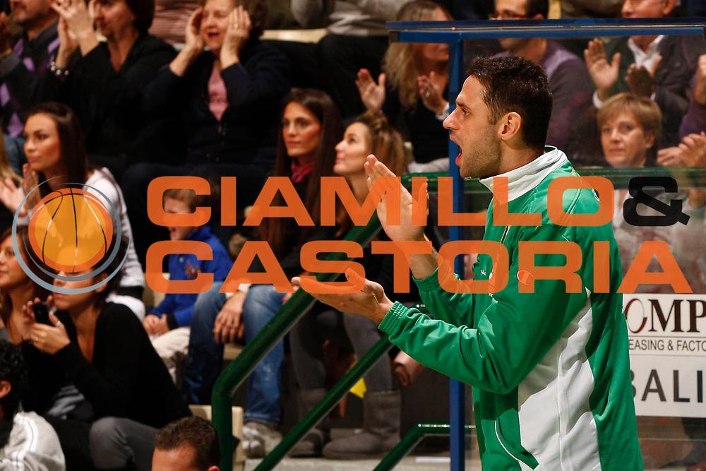DESCRIZIONE : Siena Eurolega 2010-11 Montepaschi Siena Cholet Basket<br /> GIOCATORE : Tomas Ress<br /> SQUADRA : Montepaschi Siena <br /> EVENTO : Eurolega 2010-2011<br /> GARA :  Montepaschi Siena Cholet Basket<br /> DATA : 21/10/2010<br /> CATEGORIA : esultanza<br /> SPORT : Pallacanestro <br /> AUTORE : Agenzia Ciamillo-Castoria/P.Lazzeroni<br /> Galleria : Eurolega 2010-2011<br /> Fotonotizia : Siena Eurolega Euroleague 2010-11 Montepaschi Siena Cholet Basket<br /> Predefinita :