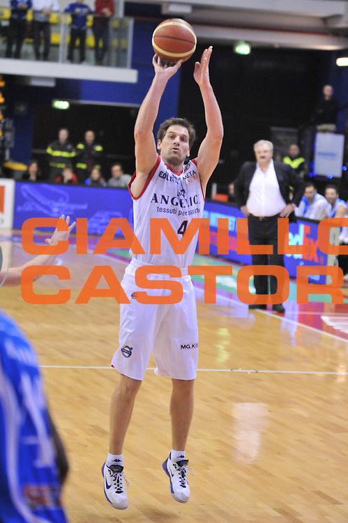 DESCRIZIONE : Biella Lega A 2012-13 Angelico Biella Banco di Sardegna Sassari<br /> GIOCATORE : Goran Jurak<br /> CATEGORIA : Tiro<br /> SQUADRA : Angelico Biella <br /> EVENTO : Campionato Lega A 2012-2013 <br /> GARA : Angelico Biella Banco di Sardegna Sassari<br /> DATA : 20/01/2013<br /> SPORT : Pallacanestro <br /> AUTORE : Agenzia Ciamillo-Castoria/S.Ceretti<br /> Galleria : Lega Basket A 2012-2013  <br /> Fotonotizia : Biella Lega A 2012-13 Angelico Biella Banco di Sardegna Sassari<br /> Predefinita :