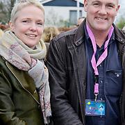 NLD/Harderwijk/20100320 - Opening nieuwe Dolfinarium seizoen met nieuwe show, Andre Kuipers met partner Helen Conijn