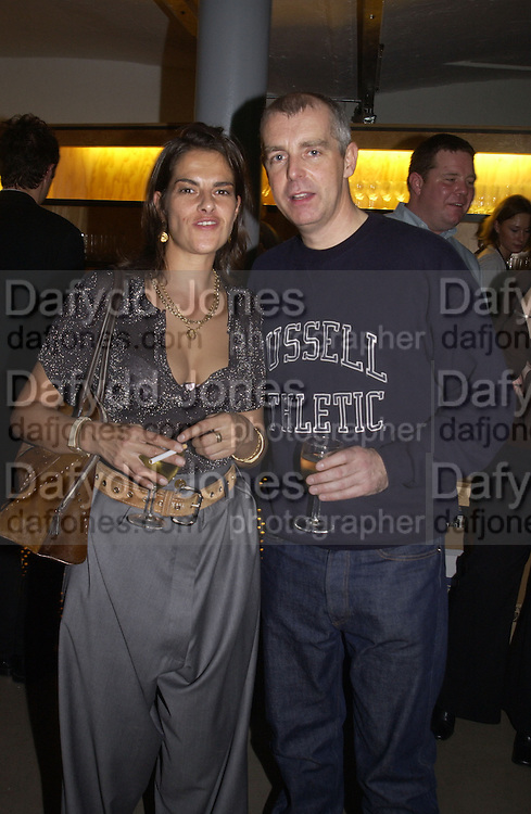Tracey Emin and Neil Tennant. This is Another Place. Tracey Emin opening. Modern Art. Oxford, 9 November 2002. © Copyright Photograph by Dafydd Jones 66 Stockwell Park Rd. London SW9 0DA Tel 020 7733 0108 www.dafjones.com