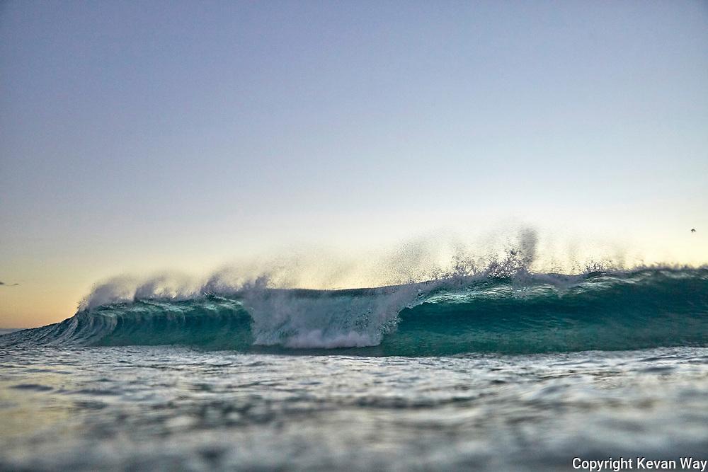sunrise wave in Byron