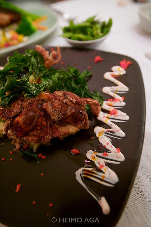 Hat Chawaeng. Betelnut restaurant, Californiathai fusion cuisine. Crispy soft shell crab with green papaya & mango salad.