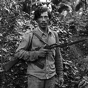 """HILARIO, MILICIANO DEL ASENTAMIENTO DE """"EL ESCAMBRAY """" FRONTERA CON HONDURAS.NICARAGUA.1985."""