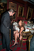 SIMON DE PURY; HEATHER KERZNER, Dinner hosted by Elizabeth Saltzman for Mario Testino and Kate Moss. Mark's Club. London. 5 June 2010. -DO NOT ARCHIVE-© Copyright Photograph by Dafydd Jones. 248 Clapham Rd. London SW9 0PZ. Tel 0207 820 0771. www.dafjones.com.