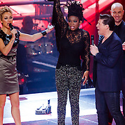 NLD/Hilversum/20121214 - Finale The Voice of Holland 2012, prijsuitreiking aan Leona Phillipo