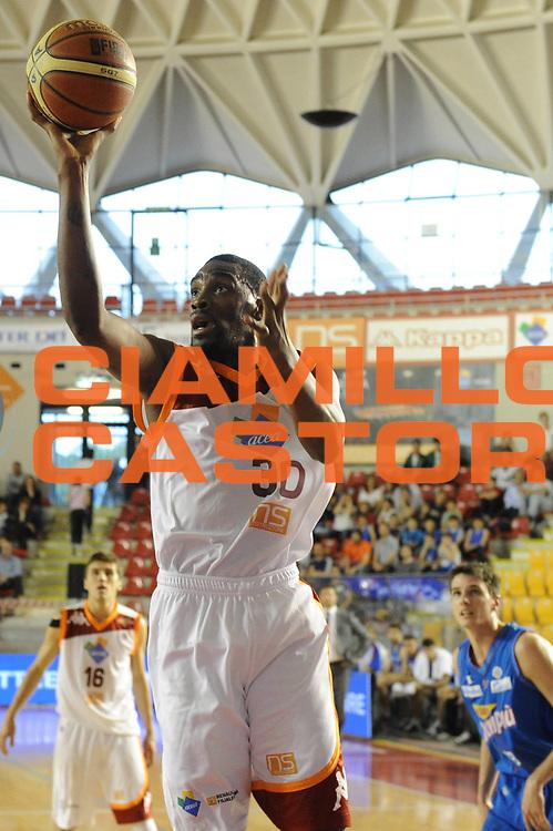 DESCRIZIONE : Roma Lega Basket A 2011-12  Acea Virtus Roma Novipiu Casale Monferrato<br /> GIOCATORE : Jarvis Varnado<br /> CATEGORIA : tiro<br /> SQUADRA : Acea Virtus Roma<br /> EVENTO : Campionato Lega A 2011-2012 <br /> GARA : Acea Virtus Roma Novipiu Casale Monferrato<br /> DATA : 29/04/2012<br /> SPORT : Pallacanestro  <br /> AUTORE : Agenzia Ciamillo-Castoria/ GiulioCiamillo<br /> Galleria : Lega Basket A 2011-2012  <br /> Fotonotizia : Roma Lega Basket A 2011-12 Acea Virtus Roma Novipiu Casale Monferrato <br /> Predefinita :