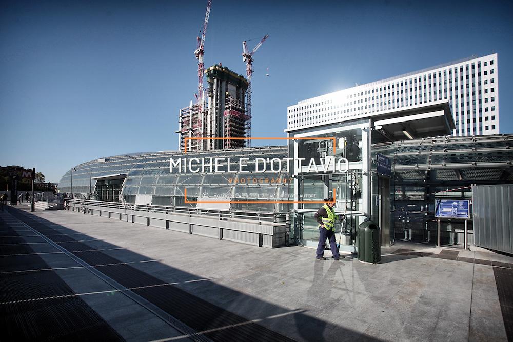Torino, cantiere del grattacielo Torre Intesa Sanpaolo progettato da Renzo Piano. 29 ottobre 2012