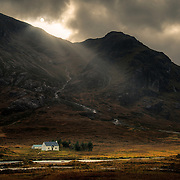 Lagangarbh Cottage below Buachaille Etive Mor, Scotland