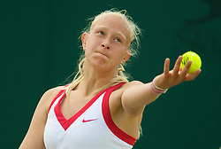 LONDON, ENGLAND - Monday, June 30, 2008: Jocelyn Rae (GBR) during her 1st round girls' singles defeat on day seven of the Wimbledon Lawn Tennis Championships at the All England Lawn Tennis and Croquet Club. (Photo by David Rawcliffe/Propaganda)
