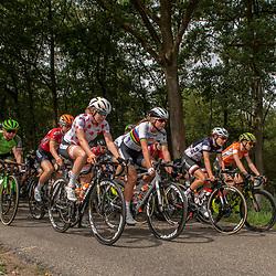 31-08-2018: Wielrennen: Ladies Tour: Weert<br /> Voltallig peloton met alle belangrijke truien aan kop met Anna van der Breggen, Chantal Blaak en Annemiek van Vleuten