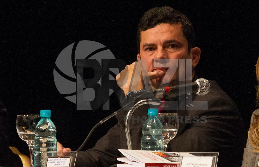 CURITIBA, PR, 26.05.2016 - O Juiz federal Sérgio Moro durante XII Simpósio Nacional de Direito Constitucional no teatro Guaira em Curitiba (PR) na noite desta quinta-feira (26).(Foto: Paulo Lisboa/Brazil Photo Press)