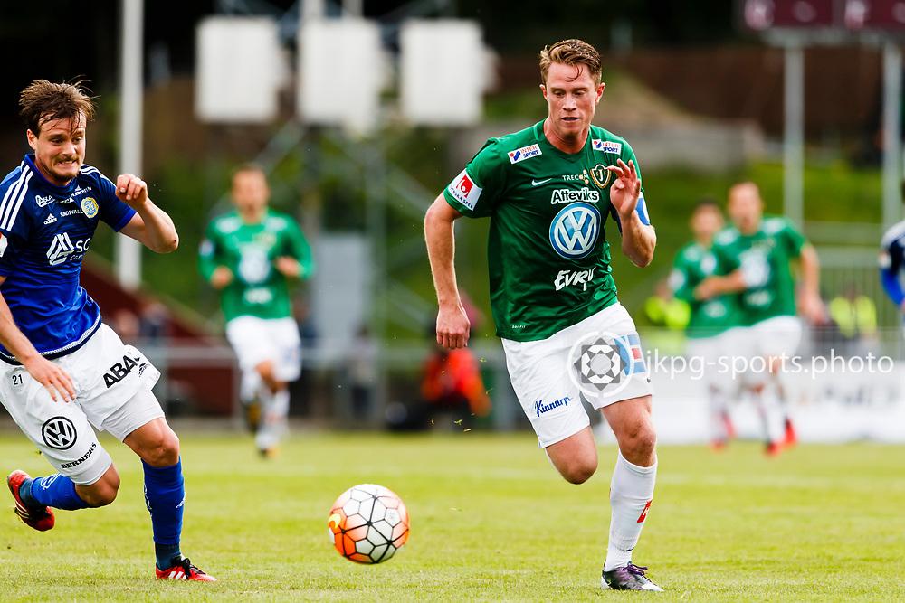 160528 Fotboll, Allsvenskan, J&ouml;nk&ouml;ping - Sundsvall<br /> (21) Eric Larsson, GIF Sundsvall vs (9) Tommy Thelin, J&ouml;nk&ouml;pings S&ouml;dra IF.<br /> &copy; Daniel Malmberg/Jkpg Sports Photo