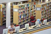 Nederland, Nijmegen,22-8-2012Studenten in de bibliotheek, studiecentrum van de hogeschool Arnhem Nijmegen, HAN. Foto: Flip Franssen/Hollandse Hoogte