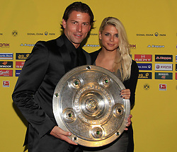 14.05.2011, U-Haus, Dortmund, GER, 1.FBL, Borussia Dortmund Meisterbankett im Bild Roman Weidenfeller mit Freundin  Lisa und Meisterschale //   German 1.Liga Football ,  Borussia Dortmund Championscelebration, Dortmund, 14/05/2011 . EXPA Pictures © 2011, PhotoCredit: EXPA/ nph/  Conny Kurth       ****** out of GER / SWE / CRO  / BEL ******