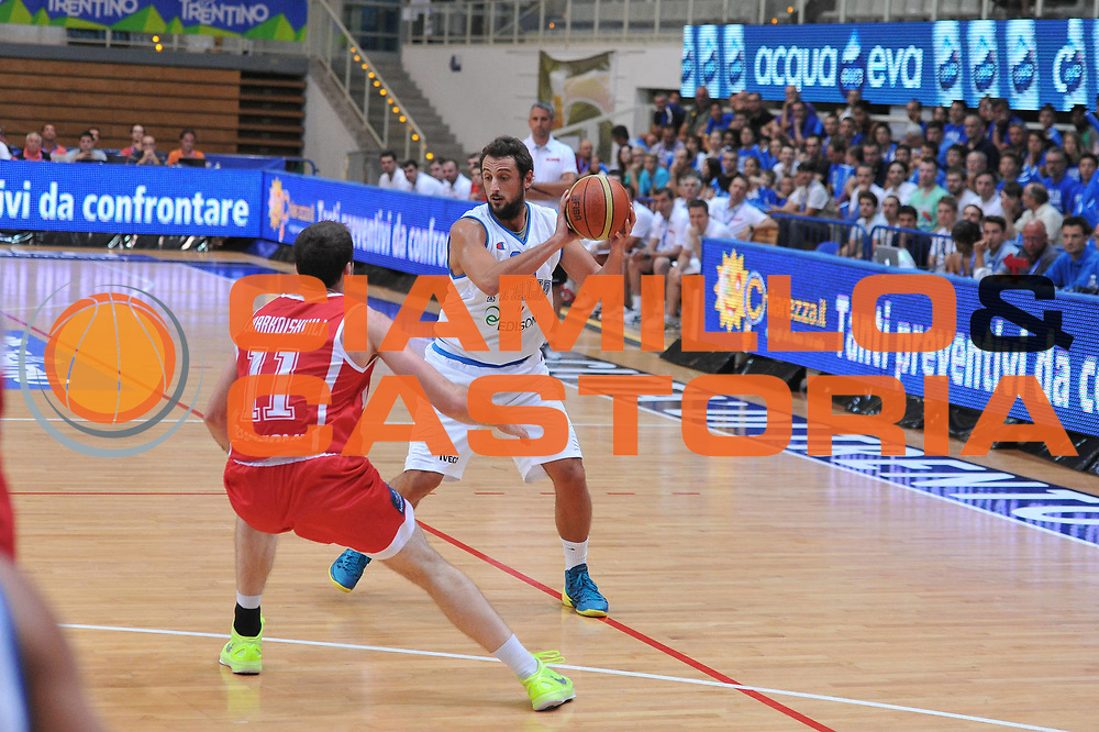 DESCRIZIONE : Trento Trentino Basket Cup Italia Georgia<br /> GIOCATORE : marco belinelli<br /> CATEGORIA :palleggio<br /> SQUADRA : Nazionale Italia Maschile<br /> EVENTO :  Trento Trentino Basket Cup<br /> GARA : Italia Georgia<br /> DATA : 07/08/2013<br /> SPORT : Pallacanestro<br /> AUTORE : Agenzia Ciamillo-Castoria/M.Gregolin<br /> Galleria : FIP Nazionali 2013<br /> Fotonotizia : Trento Trentino Basket Cup Italia Georgia<br /> Predefinita :