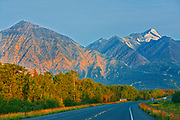 The Alalska Highway and the St. Elias Mountains at sunrise<br />
