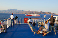 Grece, Cyclades, ferry pour se deplacer entre les iles. // Greece, Cyclades island, ferry boat between islands