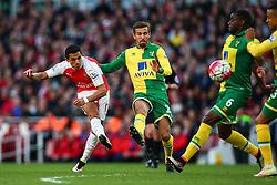 Alexis Sanchez of Arsenal shoots - Mandatory byline: Jason Brown/JMP - 07966386802 - 30/04/2016 - FOOTBALL - Emirates Stadium - London, England - Arsenal v Norwich City - Barclays Premier League