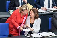 21 MAR 2019, BERLIN/GERMANY:<br /> Svenja Schulz (L), SPD, bundesumweltministerin, und Katharina Barley (R), SPD, Bundesjustizministerin, im Gespraech, Bundestagsdebatte zur Regierungserklaerung der Bundeskanzlerin zum Europaeischen Rat, Plenum, Deutscher Bundestag<br /> IMAGE: 20190321-01-084<br /> KEYWORDS: Gespräch
