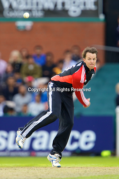 31.08.2011 Natwest International T20 England v India from Old Trafford. Graeme Swann bowling for England.