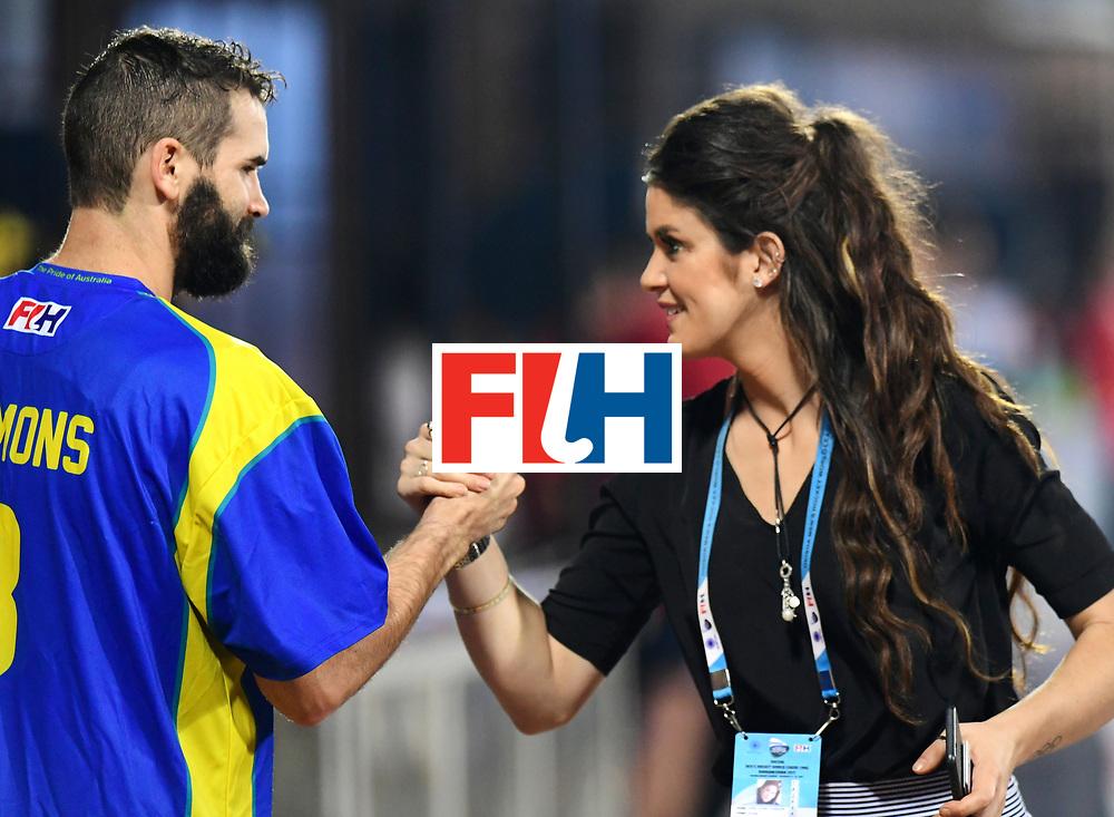 Odisha Men's Hockey World League Final Bhubaneswar 2017<br /> Match id:22<br /> Argentina v Australia Final<br /> Foto: keeper Tristan Clemons (Aus) and Anna Flannagan<br /> COPYRIGHT WORLDSPORTPICS FRANK UIJLENBROEK