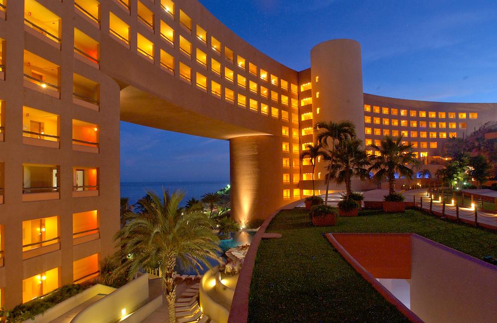 Hotel California, Todo Santos to Westin Regina Resort &amp; Spa Los Cabos, Mexico.<br /> (photo by Lance Cheung)
