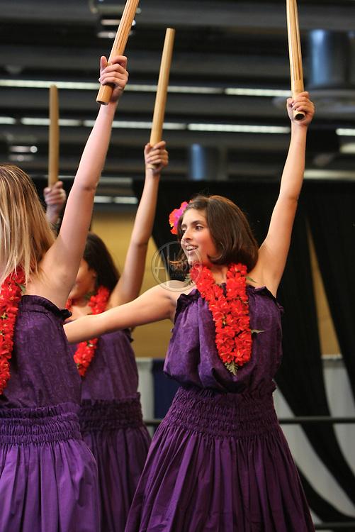 Na Hula O Kauhale No Nahele Kai performing at the Annual Live Aloha Festival 2011.