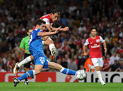 28.09.2011, Emirates Stadium, London, ENG, UEFA CL, Gruppe F, FC Arsenal (ENG) vs Olympiakos Piräus (GRE), im Bild Arsenal's Marouane Chamakh screws his shot wide when clean through on goal // during the UEFA Champions League game, group F, ENG, UEFA CL, FC Arsenal (ENG) vs Olympiakos Piräus (GRE) at Emirates Stadium in London, United Kingdom on 2011/09/28. EXPA Pictures © 2011, PhotoCredit: EXPA/ Propaganda Photo/ Chris Brunskill +++++ ATTENTION - OUT OF ENGLAND/GBR+++++