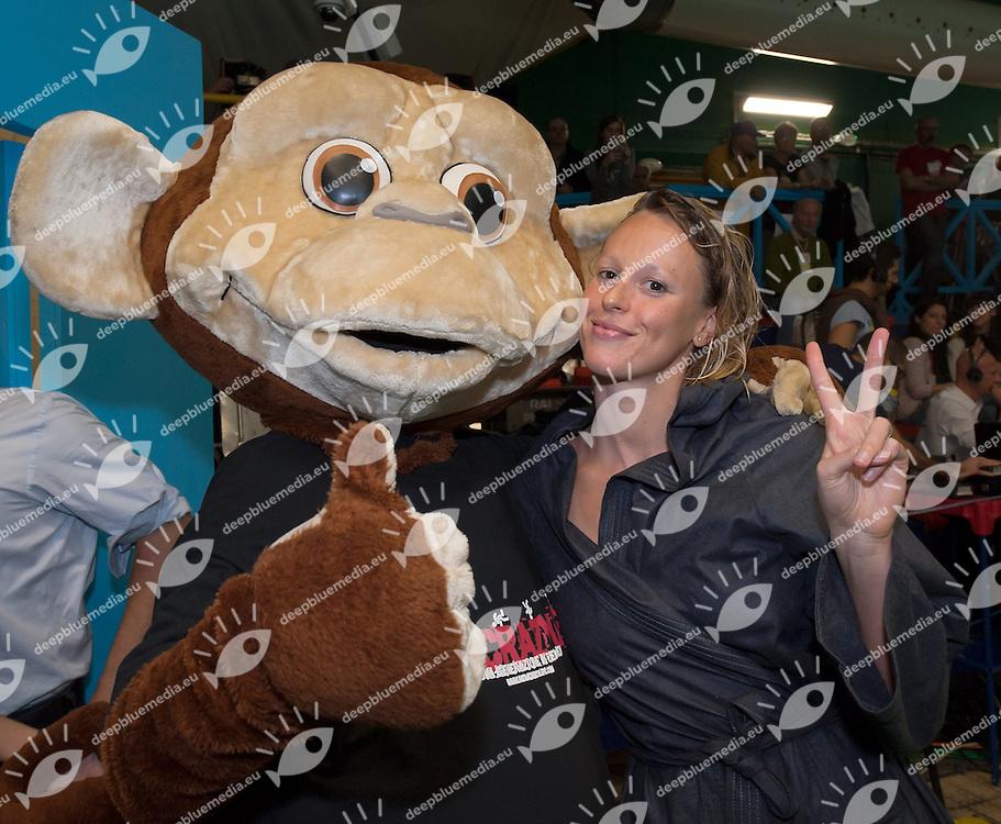 la mascotte Crazy e Federica Pellegrini<br /> IV Trofeo Citta di Milano Swimming Nuoto<br /> Day01 - 7 March 2014<br /> D. Samuele Swimming Pool<br /> Milano Italy<br /> Photo G.Scala/Deepbluemedia/Inside